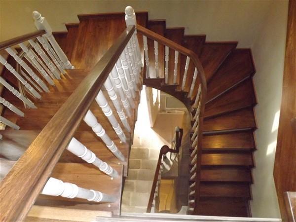 Fıçı Ahşap Merdiven