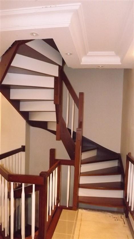 G Dönüşlü Merdiven