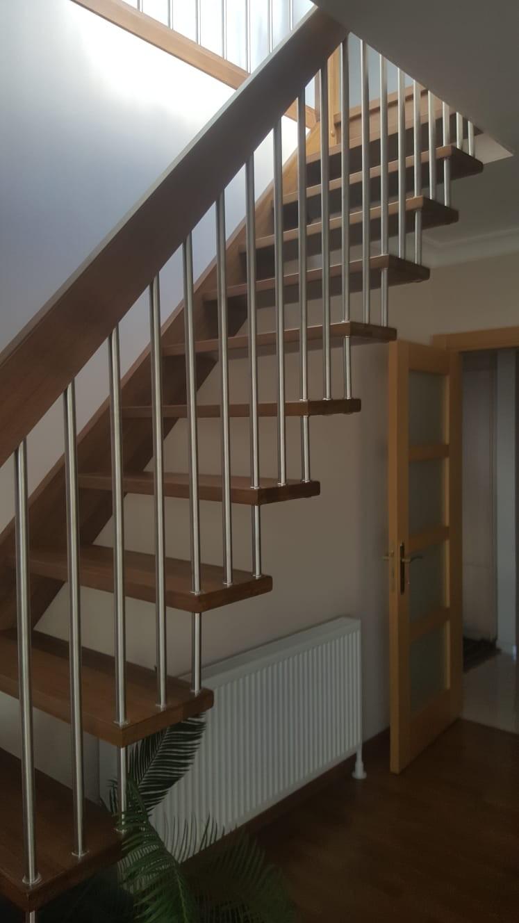 Özel Tasarım Ahşap Merdiven